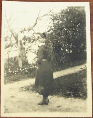 Photograph [Margaret Flood]; c. 1910; XCH.1570