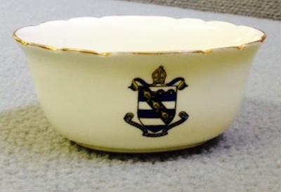 Crested sugar bowl ; Royal Doulton