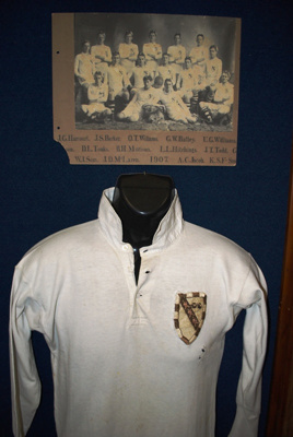 1907 1st Xv rugby jersey of G W Batley (1903 - 08)...