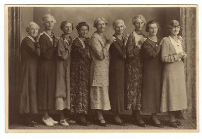 Photograph, Nine Duthie Sisters; Unknown Photographer; 1930-1940; WW.1975.99