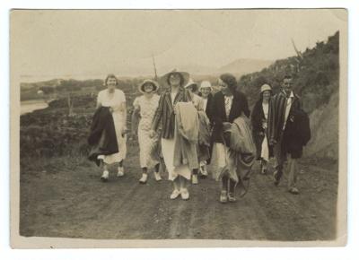 Photograph, Woodend Tennis Club at Waikawa ; Unknown Photographer; 1930-1940; WW.1999.1426(b)