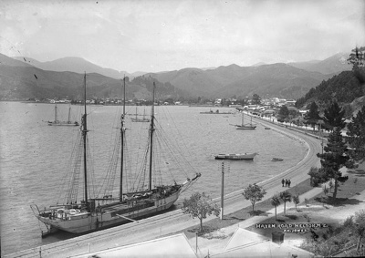 Haven Road, Nelson. N.Z., circa 1910, F N J half 27