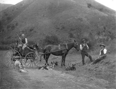 Bush hunting party, circa 1890, T 179607/3
