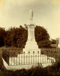 Monument, Victoria Park, Normanby.; PH2012.0070