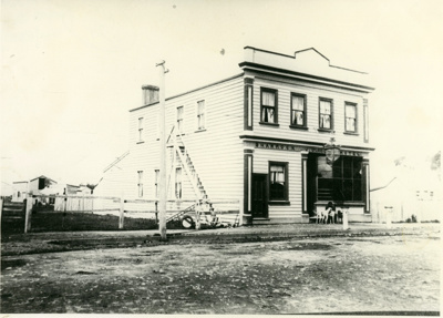 Black and White Photograph of Shamrock Hotel in Hawera.; H.J.Finlay.; 2013.077