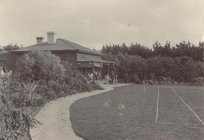 'Rangitoto' House of Fred Livingston, son of James Livingston; 1903; PH2013.0097