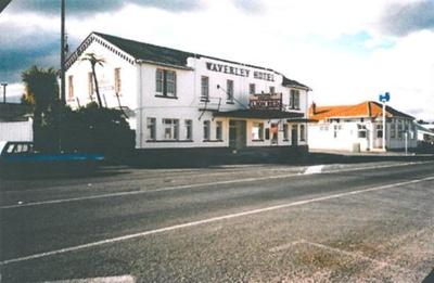 Waverley Hotel. Weraroa Road, Waverley.; PH2012.0018