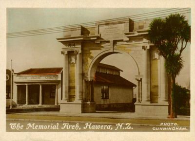 Memorial Arch, Hawera; Cunningham; PH2012.0066