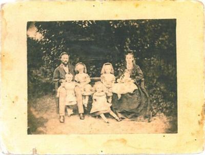 Max King and family; PH2012.0059