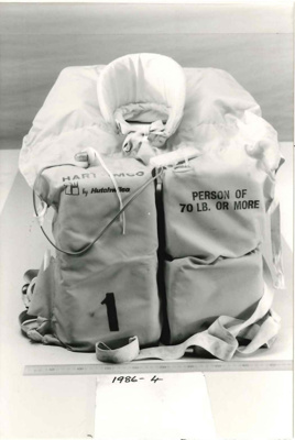 Lifejacket: Hart IMCO; Hutchwilco; 1986.4