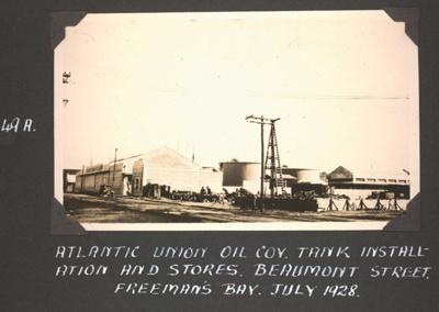 Photograph: Atlantic Union Oil tank installation, Freeman's Bay; Foss Tackaberry; 2015.69.71