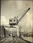Photograph: Crane, Auckland, date unknown.; Auckland Harbour Board. Engineer's Dept.; 2010.132.298