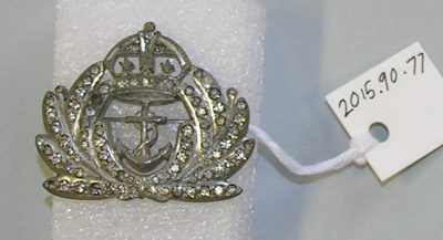 Brooch: Anchor and Tudor Crown; 2015.90.77