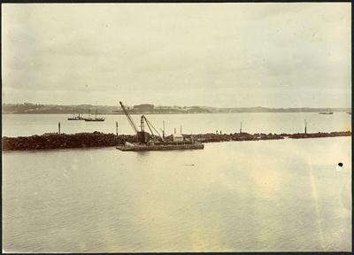 Photograph: Western Breakwater, Auckland, 1917.; Auckland Harbour Board. Engineer's Dept.; 2010.132.347