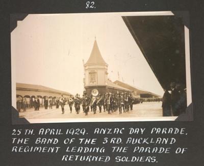 Photograph: Anzac Day parade, Queens Wharf; Foss Tackaberry; 2015.69.116