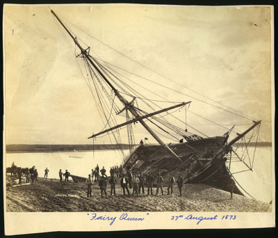 Ashore Timaru [the brig Fairy Queen]; Ferrier, William; 27/08/1873; 0886