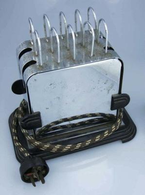 Toaster; H C Urlwin Ltd; c.1935-1945; 2001/060.013