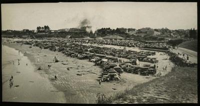 [Cars parked on Caroline Bay]; 1936-1946; 0074