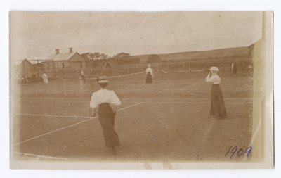 Photograph, Otautau Lawn Tennis Club; Donnan, Mary; 1909; OT.2007.2.3.5