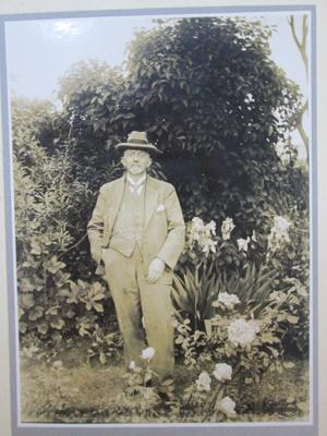 G W Bishop; 1937; 01/2006/812/l