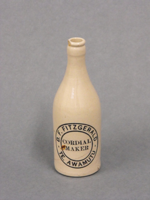 Bottle, D.F. Fitzgerald and Sons Limited    Te Awamutu, 14002/1