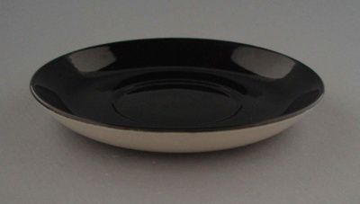 Saucer; Crown Lynn Potteries Limited; 1963-1968; 2009.1.961