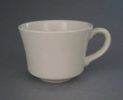 Cup; Crown Lynn Potteries Limited; 1981-1989; 2008.1.1569