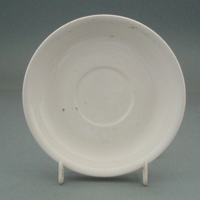 Saucer; Crown Lynn Potteries Limited; 1960-1969; 2008.1.102