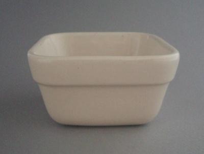 Dish; Crown Lynn Potteries Limited; 1987; 2008.1.2652