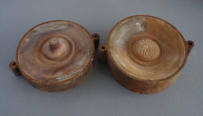 Ram press cases - door handle; Crown Lynn Potteries Limited; 1978; 2009.1.1375