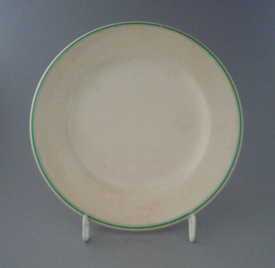 Bread and butter plate; Crown Lynn Potteries Limited; 1943-1950; 2009.1.974