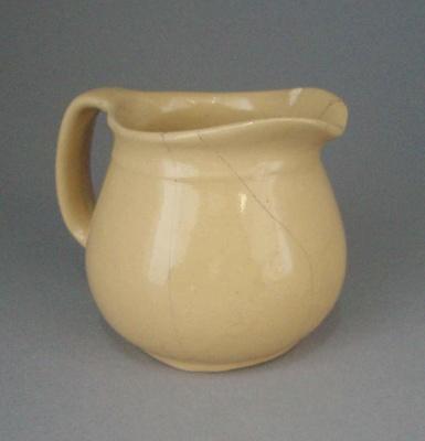 Jug; Crown Lynn Potteries Limited; 1945-1960; 2008.1.1002