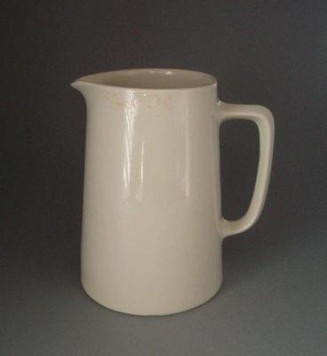 Jug; Crown Lynn Potteries Limited; 1945-1989; 2008.1.1011