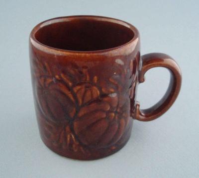 Mug - harvest; Titian Potteries (1965) Limited; 1974-1985; 2008.1.2291