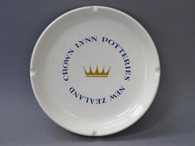 Ashtray; Crown Lynn Potteries Limited; 2016.16.8