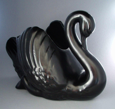 Swan; Crown Lynn Potteries Limited; 1950-1975; 2008.1.776