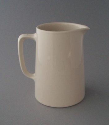 Jug; Crown Lynn Potteries Limited; 1948-1989; 2008.1.1017
