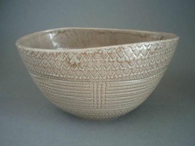 Flower pot; Crown Lynn Potteries Limited; 1964-1975; 2008.1.190
