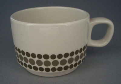 Coffee cup; Crown Lynn Potteries Limited; 1973-1989; 2008.1.2446