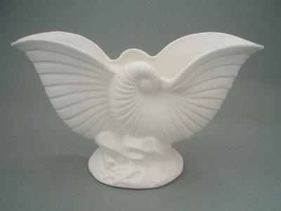 Vase; Crown Lynn Potteries Limited; 1958-1975; 2008.1.206