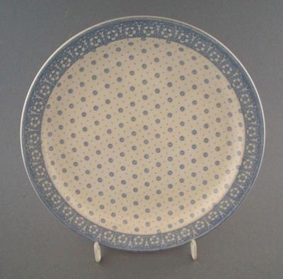 Salad plate - trial; Crown Lynn Potteries Limited; 1980-1989; 2009.1.845