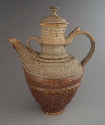Coffee pot and lid; Greig Barnett; 1970-2000; 2008.1.2321.1-2
