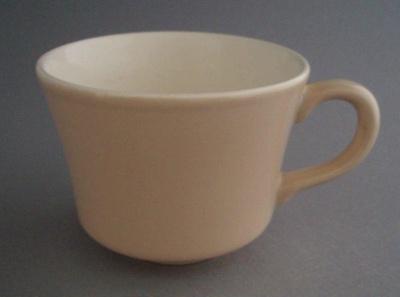 Cup - Colour glaze; Crown Lynn Potteries Limited; 1981-1989; 2008.1.1534