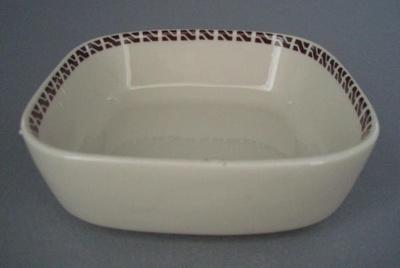 Fruit dish - New Zealand Railways; Crown Lynn Potteries Limited; 1970-1989; 2008.1.1175