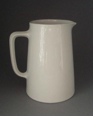 Jug; Crown Lynn Potteries Limited; 1945-1989; 2008.1.1010