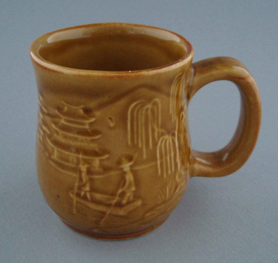 Mug - country scene; Titian Potteries (1965) Limited; 1976-1986; 2008.1.2275
