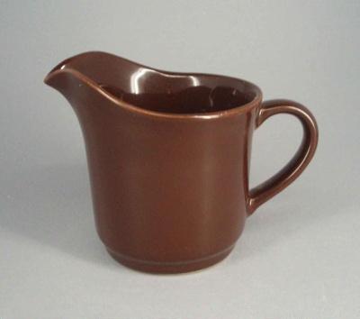 Cream jug; Crown Lynn Potteries Limited; 1984-1989; 2008.1.1006