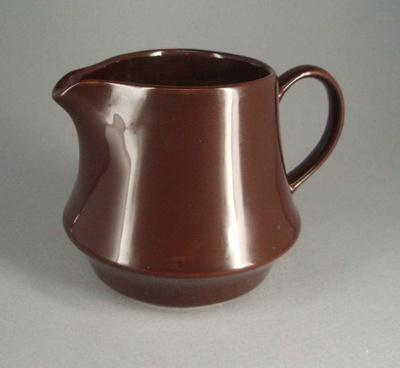 Jug; Crown Lynn Potteries Limited; 1982-1989; 2008.1.1004