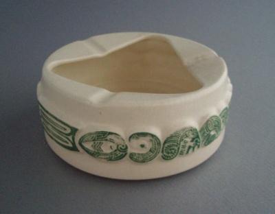 Ashtray; Crown Lynn Potteries Limited; 1965-1975; 2008.1.1449