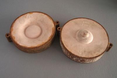 Ram press cases - door handle; Crown Lynn Potteries Limited; 1978-1989; 2009.1.1374.1-2